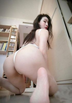 Elite rest with Abu Dhabi high class escort (age: 24, weight: 49, height: 164 cm)