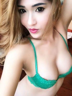 Call girl in Abu Dhabi: Natasha Shemale available 24 7