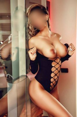 Independent escort in Abu Dhabi: Anemona wants to meet a generous man
