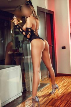 Ebony escort Anemona on SexAbudhabi.club available 24 7