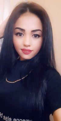 See profile of a cute girl lesbian Alisa Abudhabi , 19 y.o