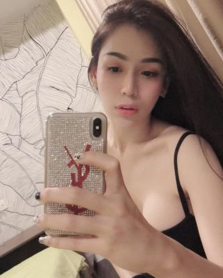 Sex with mature independent escort in UAE for USD 700