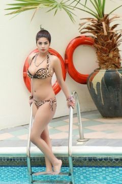 Escort profile of Komal Pool Model with pics and reviews