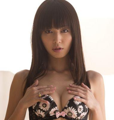 Submissive female loves BDSM, call +971 52 804 7355