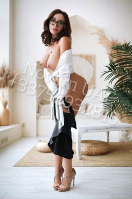 Abu Dhabi escort girl Michelle180 available for hot sex