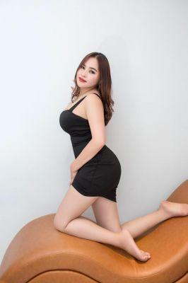 24 y.o. Mina  provides cheap escort service in UAE