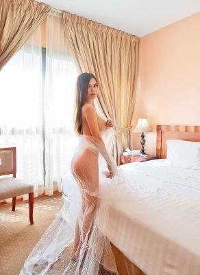 Enjoy the company of a perfect Abu Dhabi escort Lishadi